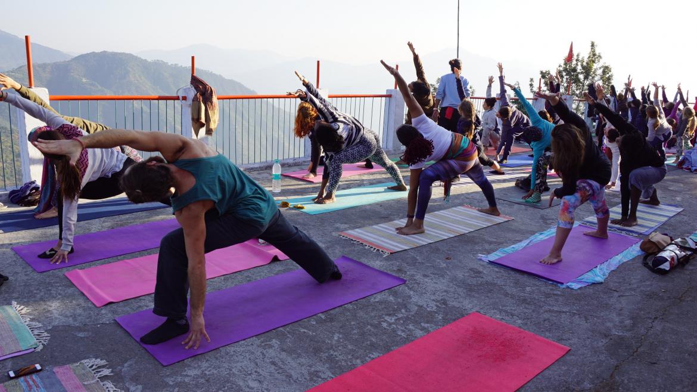 free-scholarship-yoga-teacher-training-rishikesh.jpg